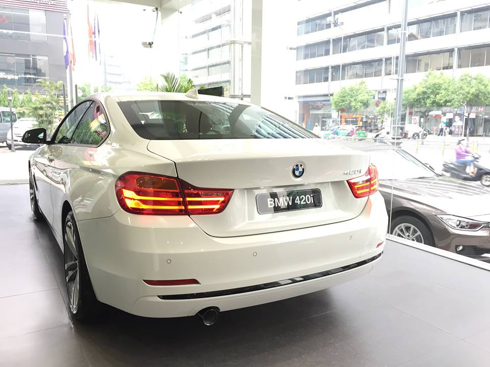 Xe BMW 420i Coupe 02