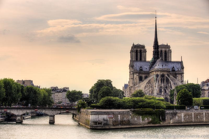 Paris Scams Notre Dame from behind