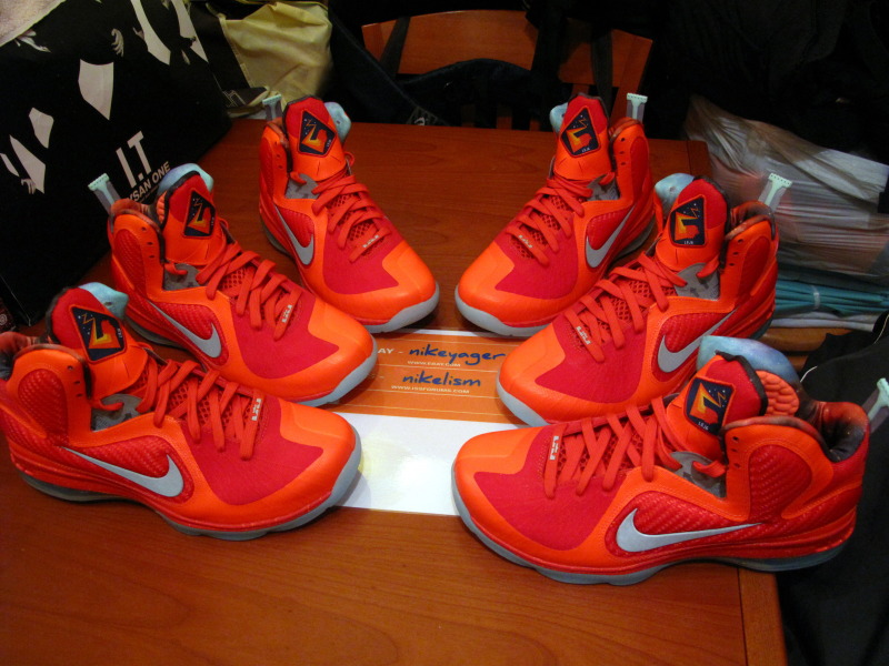 size 40 5d703 b2b35 Nike LeBron 9  Galaxy All-Star  - Glow in the Dark Soles -