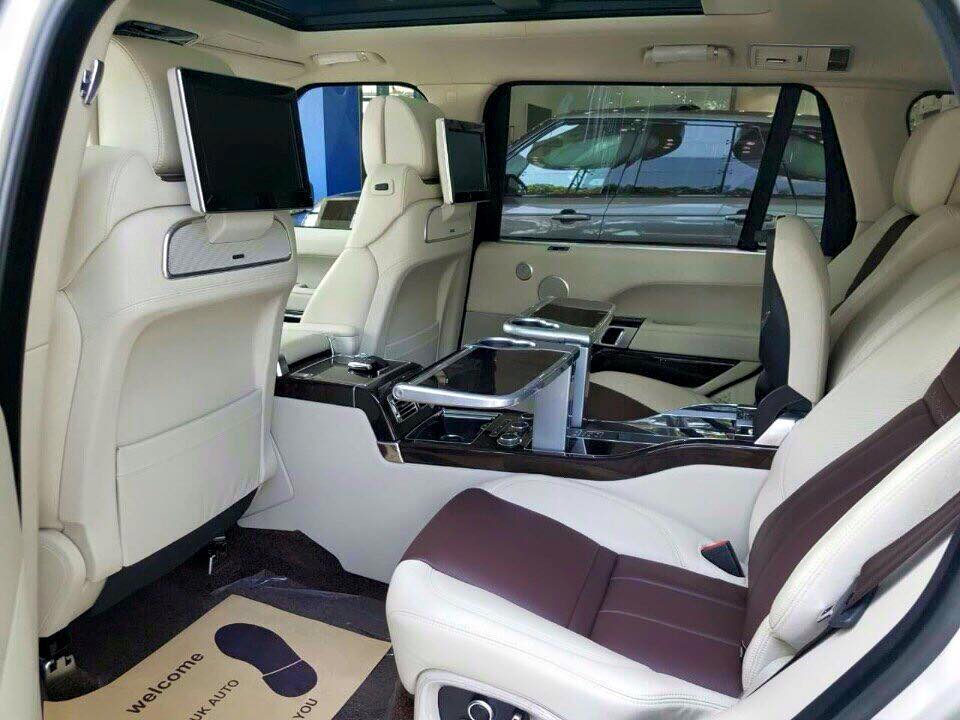 Nội thất xe Land Rover Range Rover SV Autobiograp 010