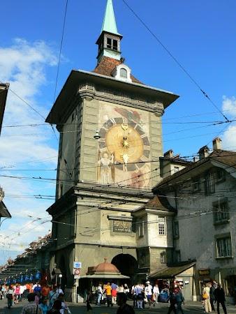 Obiective turistice Elvetia: turnul cu ceas