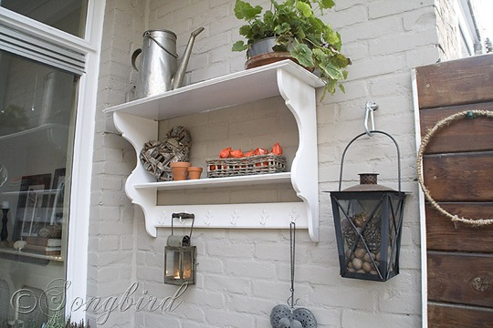 Fall Garden Shelf Decoration