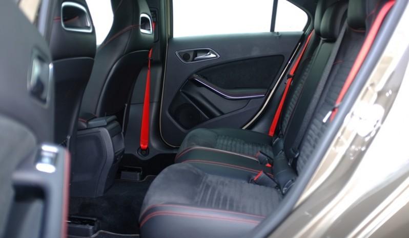 Nội thất xe Mercedes Benz A250 AMG Màu Nâu 2014 05