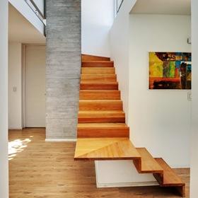 escaleras-modernas-de-madera