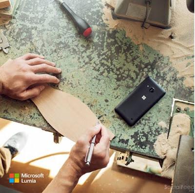 Điện thoại trâu làm đâu cũng được Lumia 550 với vỏ nhựa