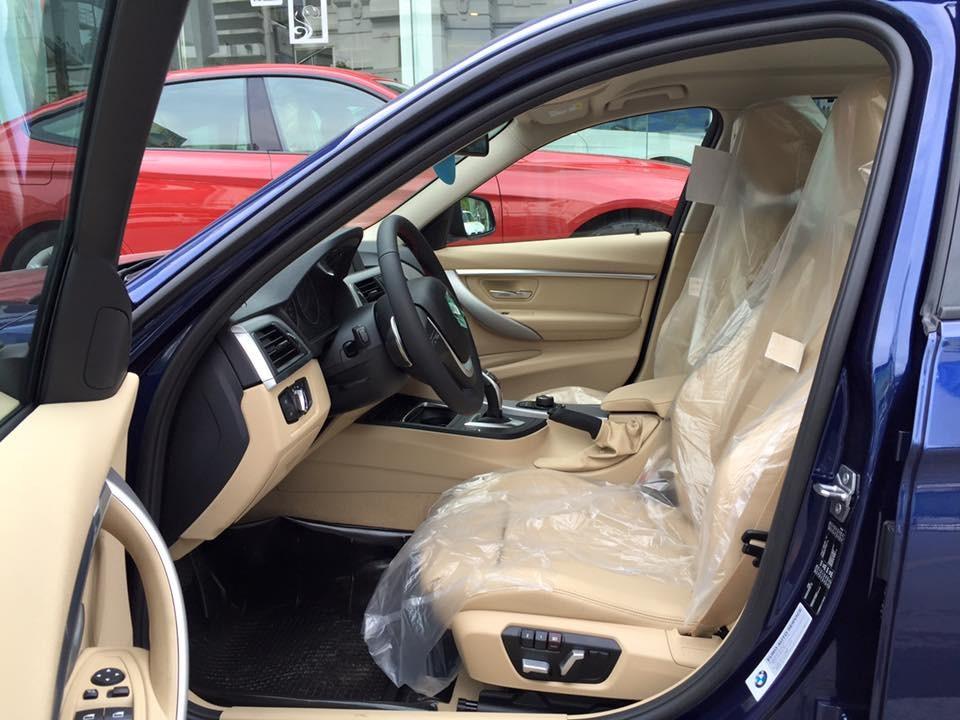 Nội thất xe BMW 330i new model 01