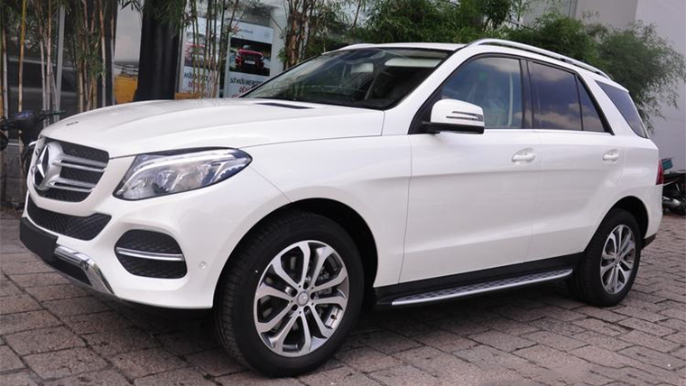 Xe Mercedes GLE 400 Exclusive màu trắng 05