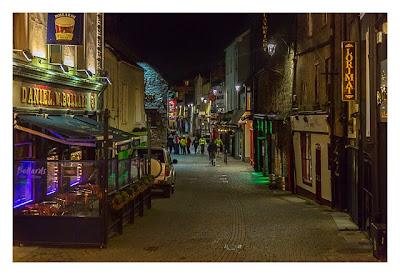 Abendliches Geocaching in Kilkenny - Fußgängerzone