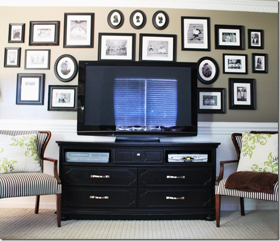white painted trim and family room gallery wall