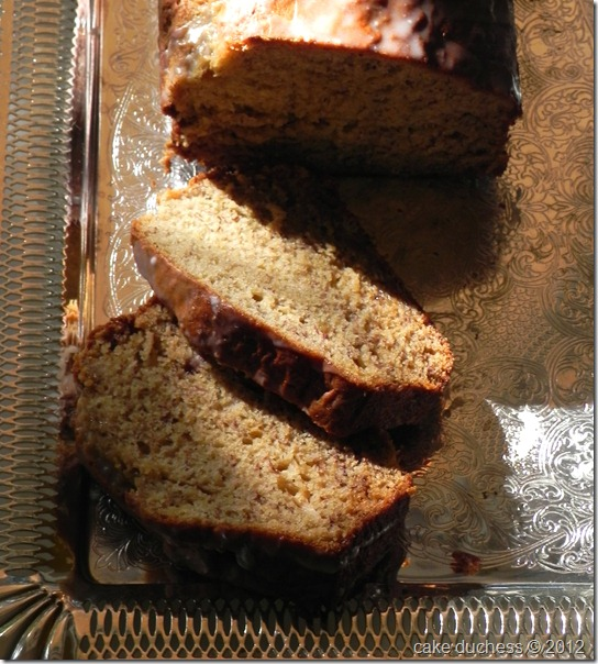 caramelized-banana-bread-with-brown-butter-glaze-3