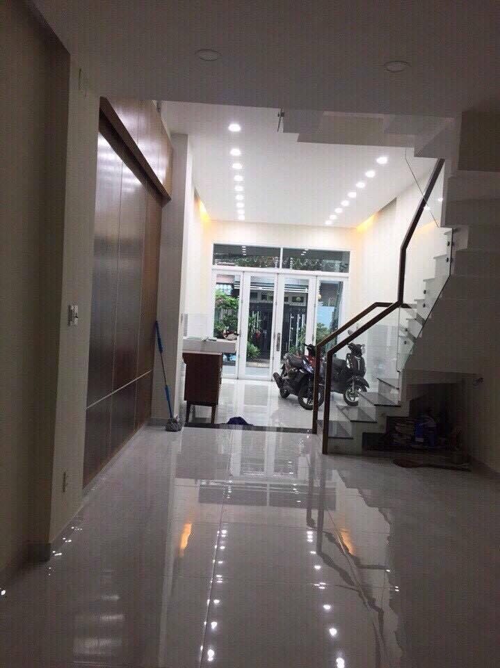 Bán nhà đúc 3 tấm mặt tiền số 1B Cây Keo quận Tân Phú 02