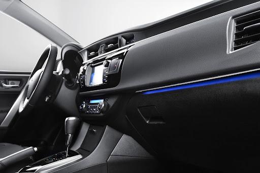 2014-Toyota-Corolla-ic-mekan-4.jpg