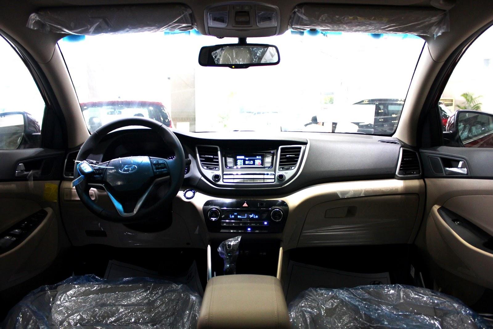 Nội thất xe Hyundai Tucson 2018 màu đỏ 01