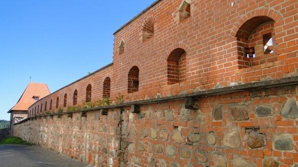 Antiga muralha de Vilnius