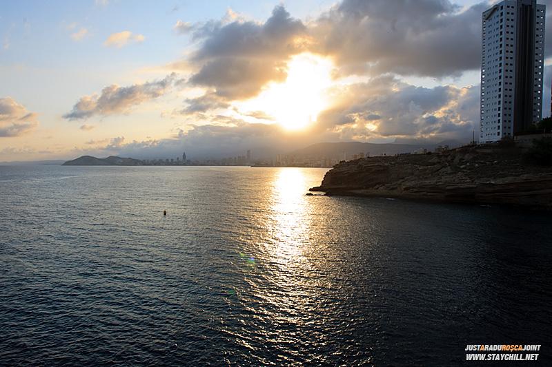 Din Guadalest, am pornit inapoi spre Benidorm sa vizitam crucea de pe deal