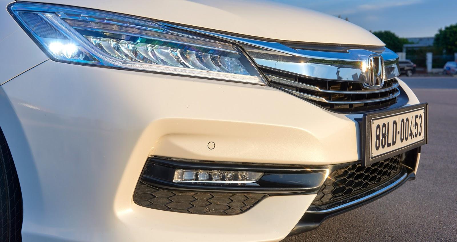 Đánh giá xe Honda Accord New Model 02