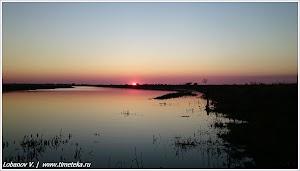 Закат под Астраханью. Фото Лобанова В. www.timeteka.ru