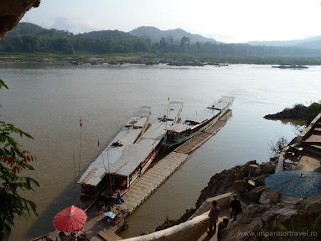 Imagini Laos: barci pe Mekong