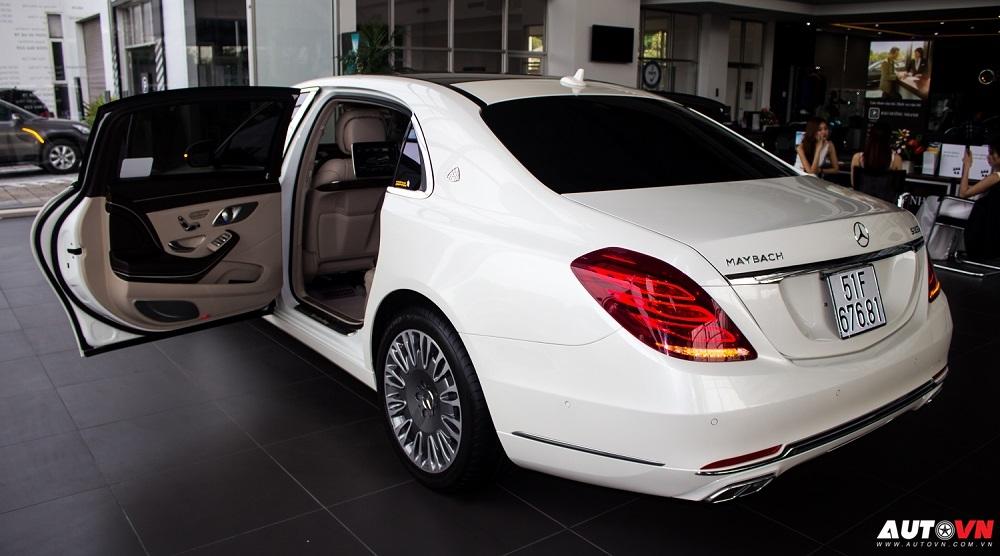Xe Mercedes Benz S600 MAYBACH Màu Trắng 03