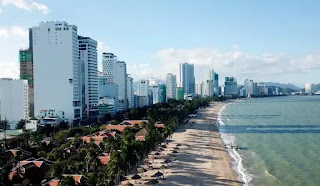 """Không gian của thành phố biển bị """"chiếm đoạt"""" vì những công trình cao tầng chắn phía trước."""