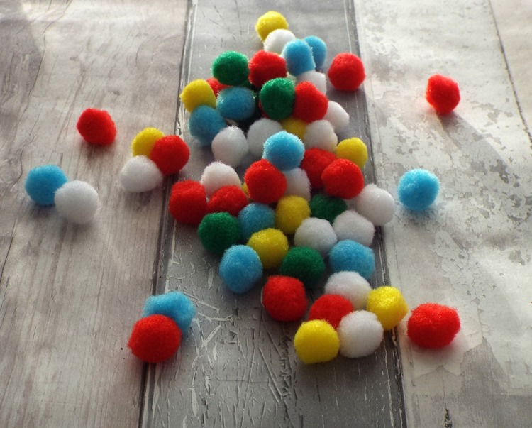 How to make a pom pom garland assortment of colours