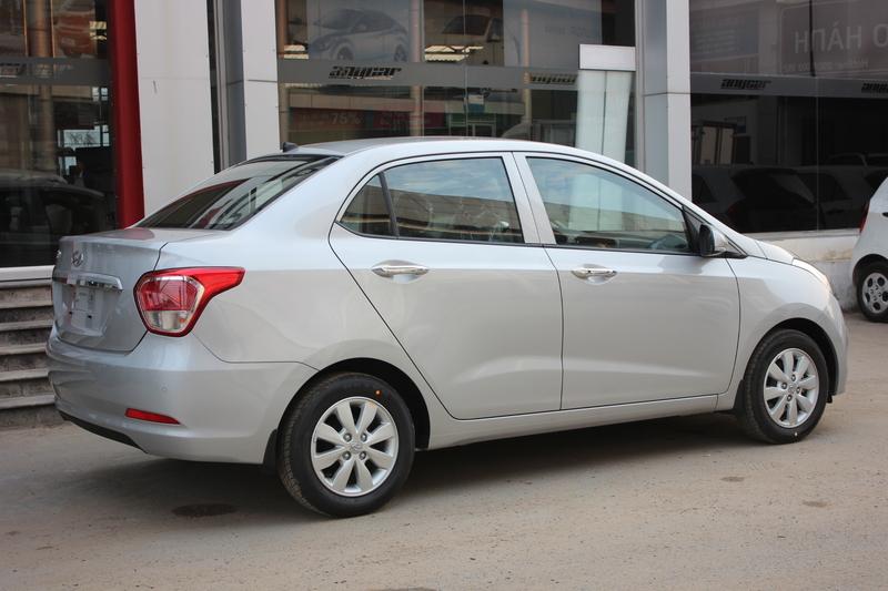Xe Hyundai Grand i10 sedan 1.2MT Màu bạc 06
