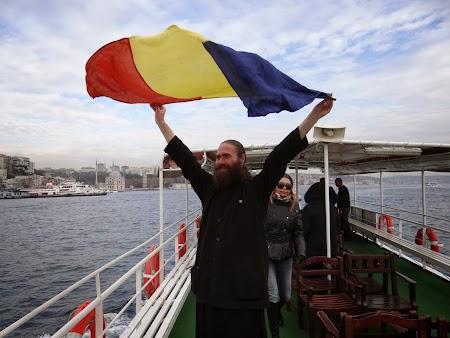Croaziera pe Bosfor: Popa cu steagul