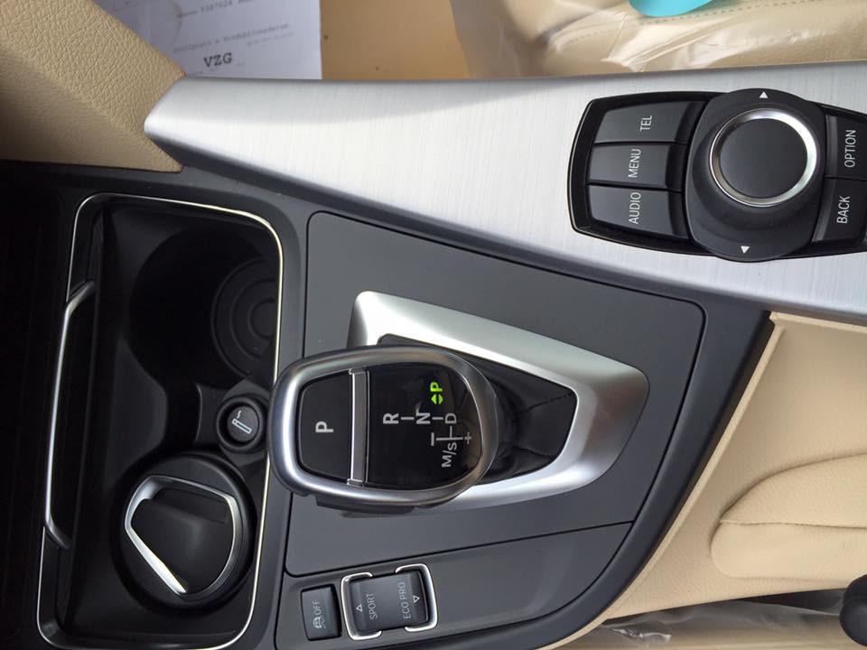 Nội thất xe BMW 330i new model 05
