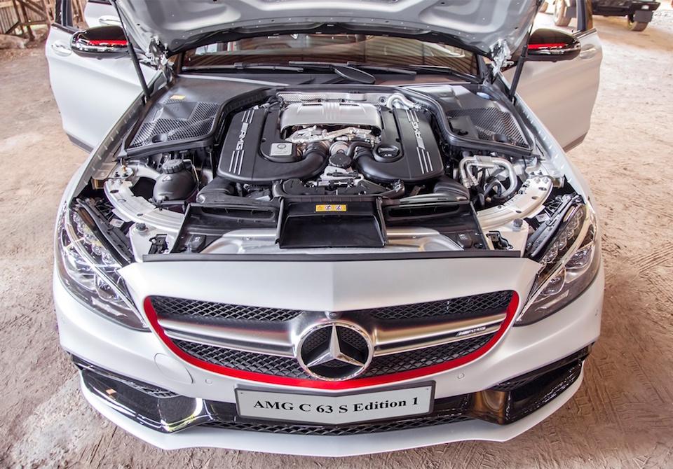 xe Mercedes Benz C63 S AMG 01