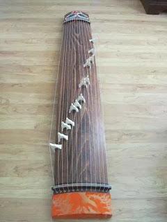 Bạn có biết: Đờn tranh Cổ-nhạc Miền-Nam tinh tuý và rất khác Cổ tranh (Guzheng) của Trung quốc, Koto của Nhựt-Bổn nha!