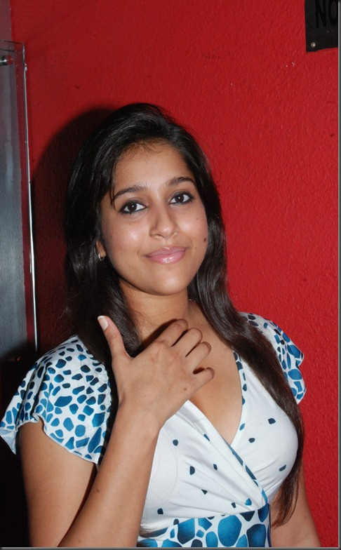 Rashmi Gautam beautiful still1