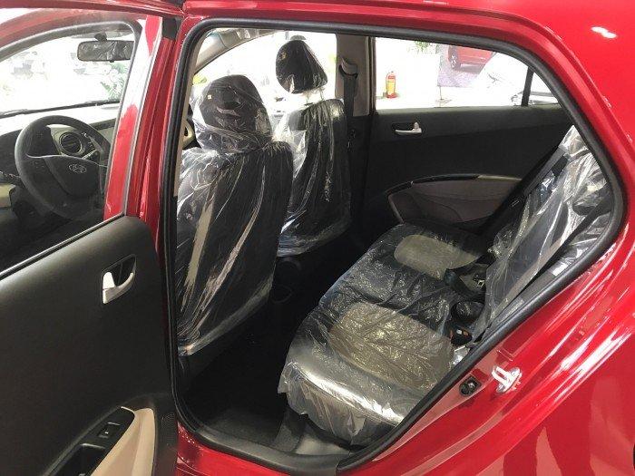 Nội thất xe ô tô Hyundai Grand i10 Nhập Khẩu màu trắng 07