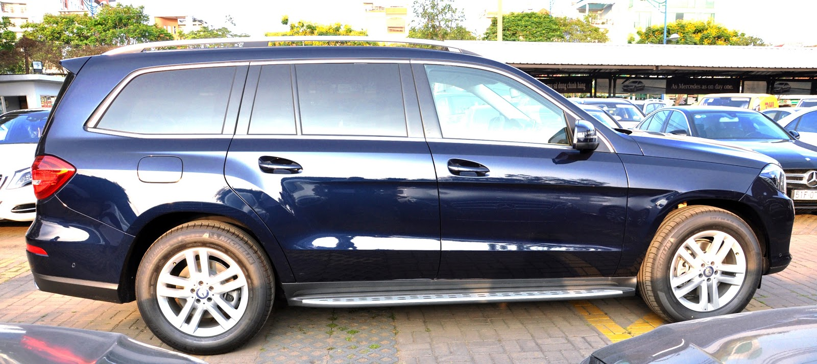 Xe Mercedes Benz GLS 350 d 4Matic 05