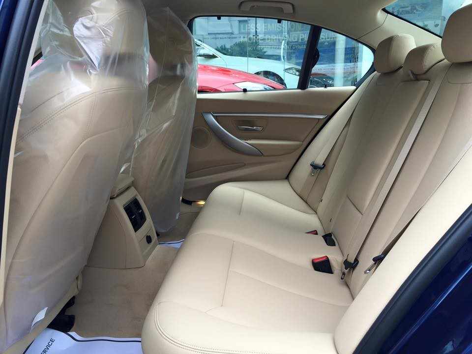 Nội thất xe BMW 330i new model 02