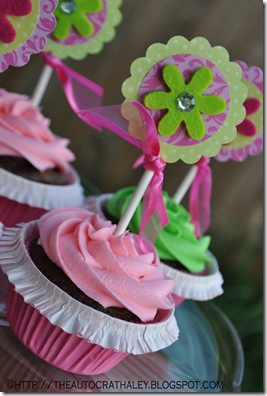 PINK AND GREEN CUPCAKES (3)