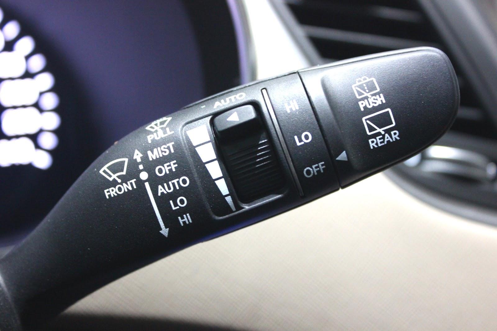 Nội thất xe Hyundai Santafe New Model màu vàng cát 013
