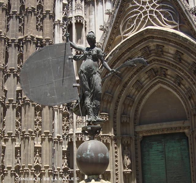 El Giraldillo - Puerta del Principe - Catedral de Sevilla (6).jpg
