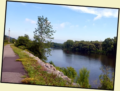 02c - Mohawk River (Erie Canal) Bike Trail heading NW - river on the right