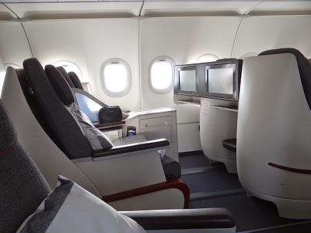 29. A320 Business Class Qatar Airways.JPG