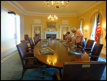 14-cabinet-room
