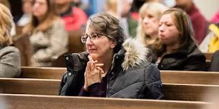 7 ích lợi của việc đến nhà thờ dâng lễ - Có động lực mạnh mẽ để ra khỏi nhà trong một ngày mưa gió