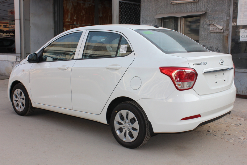 Xe Hyundai Grand i10 sedan 1.2MT Base Màu Trắng 04