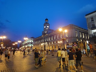 Place Puerta del Sol by night à Madrid