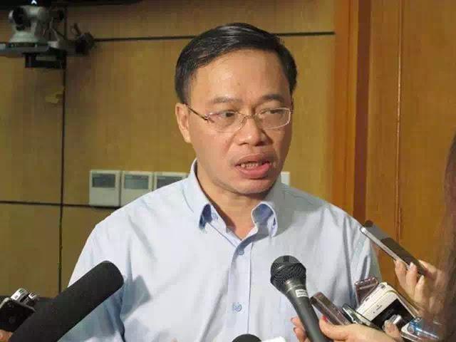 Ông Nguyễn Anh Tuấn tại cuộc hội thảo chuẩn bị tăng giá điện một cách nhập nhèm vì phương án tăng giá đã bị mật hóa, chỉ còn những lời nói phù phép để nhờ báo chí lập dàn đồng ca đánh lừa nhân dân.