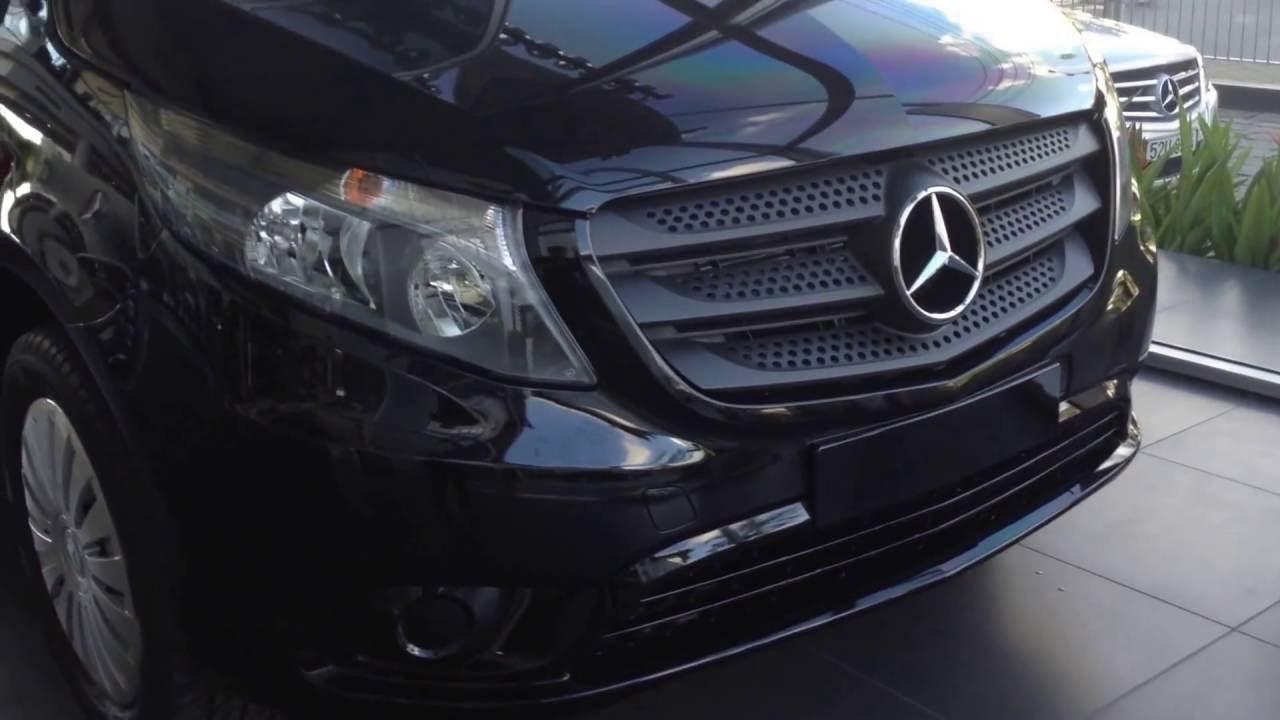Ngoại thất Xe Mercedes Benz Vito Tourer 121 Máy Xăng màu đen 03