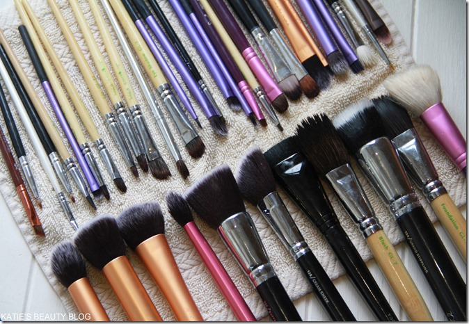 How to wash makeup brushes! - Katie Snooks