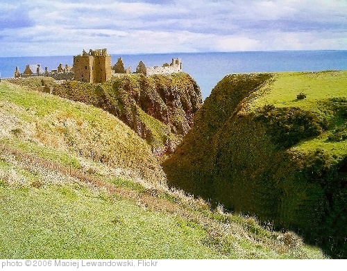 'Dunnottar Castle' photo (c) 2006, Maciej Lewandowski - license: http://creativecommons.org/licenses/by-sa/2.0/