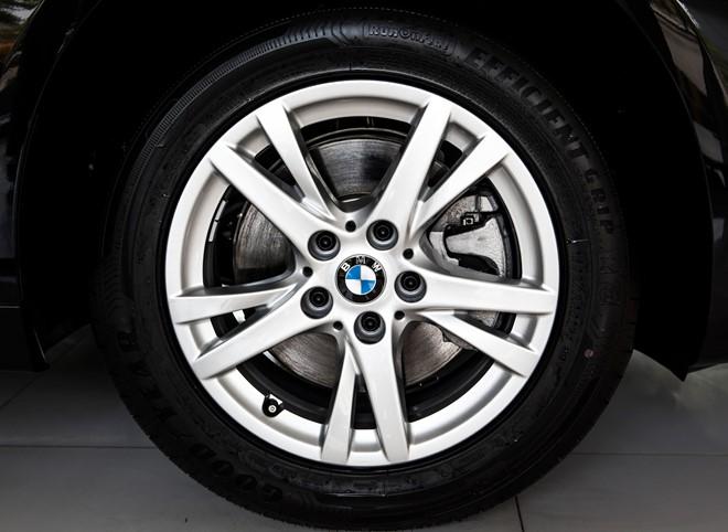 Xe BMW 218i Gran Tourer 08