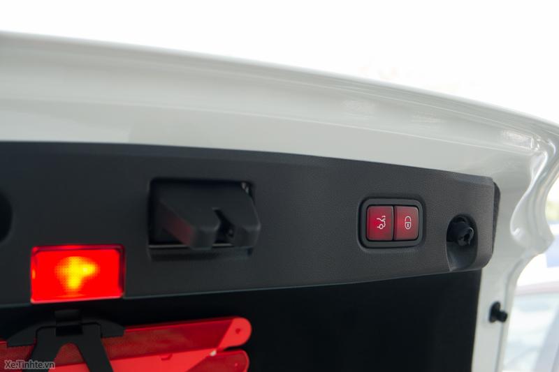 Xe Mercedes Benz CLS500 New Model màu trắng 013