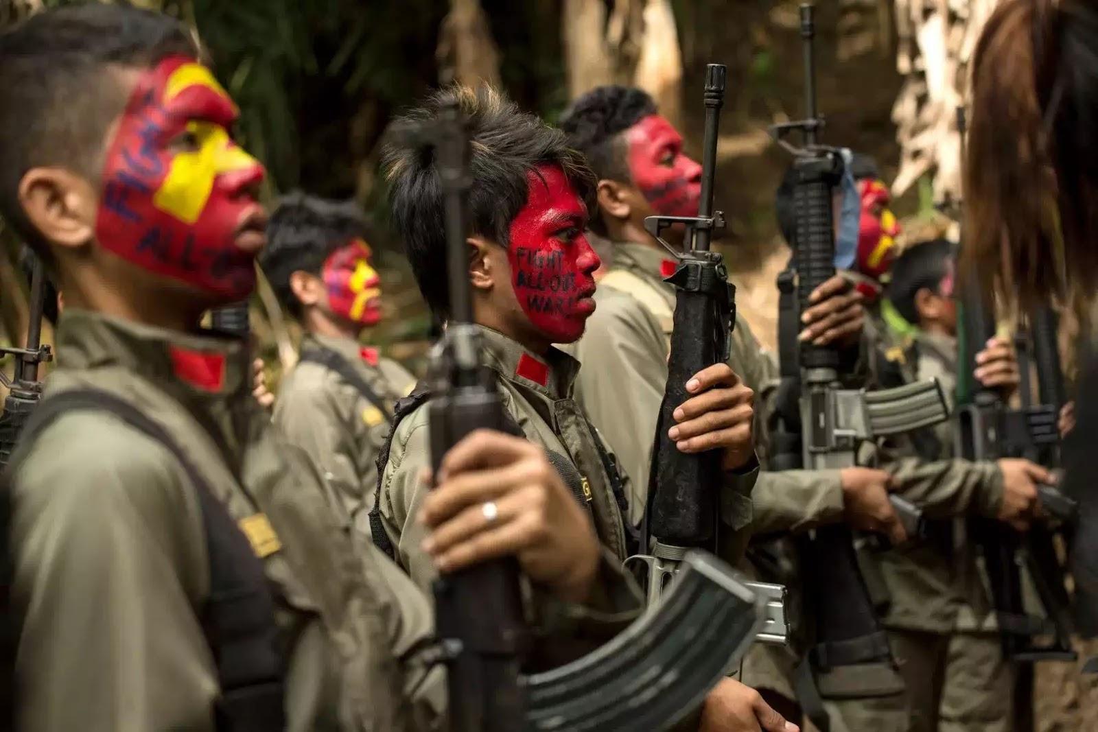 Xe chở người Việt bị phiến quân cộng sản Philippin tấn công